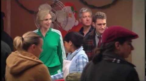 "(""Glee"") Behind the Scenes Extraordinary Merry Christmas"