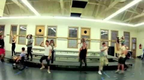 GLEE - Gangnam Style Teaser-0