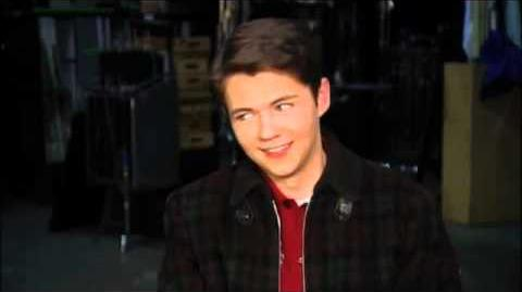 GLEE - A Holiday Moment Damian McGinty