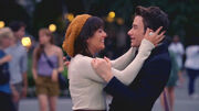 Kurt-rachel-lea-michele-new-york-hug-glee-season-4