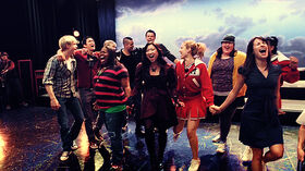 Dog Days Are Over Glee Club Stagione2