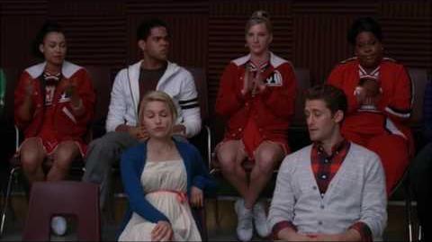 Glee - Pink Houses (Full performance scene) 1x18
