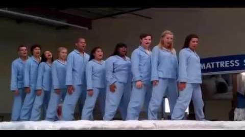 Glee Cast - Jump