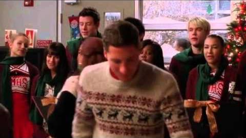 GLEE- Welcome Christmas (Full Performance)