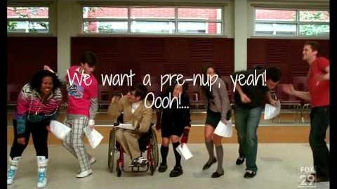 Gold Digger - Glee (Lyrics)