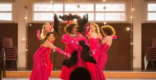 Glee-s04e15-girls-and-boys-on-film-L-hgpv4b