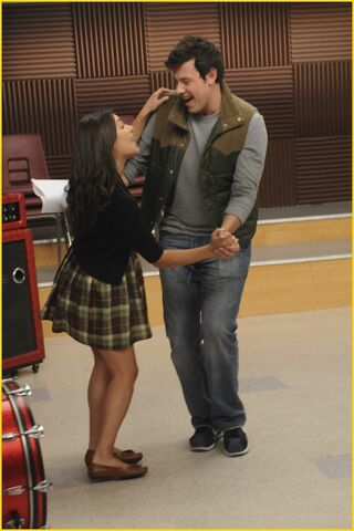File:Finn and Rachel Dancing.jpg