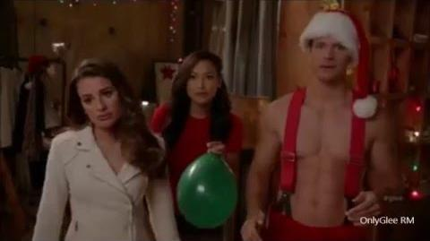 "GLEE ""The Chipmunk Song"" (Full Performance) From ""Previously Unaired Christmas"""