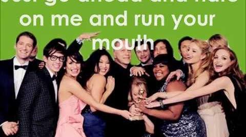 Glee - Loser Like Me (Lyrics)