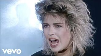 Kim Wilde - You Keep Me Hangin' On (Official Video)