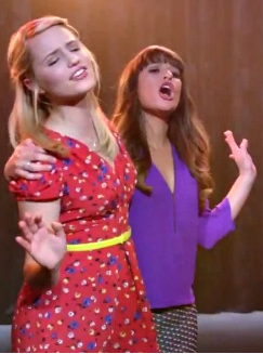 when did quinn and santana hook up