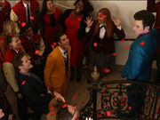 Glee-kurt-blaine-season-5-premiere-love-love-love-the-beatles-600x450