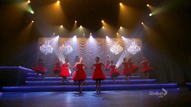 Glee - Edge Of Glory