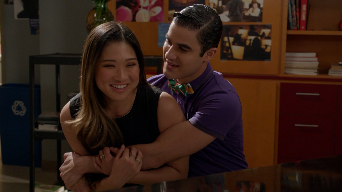Who is the asian girl from glee dating