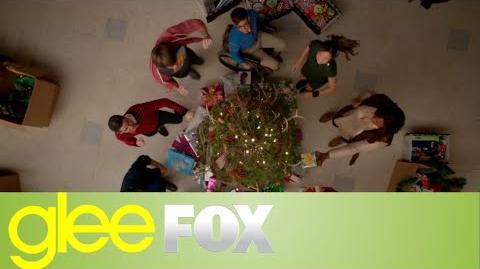 "GLEE ""Rockin' Around the Christmas Tree"" Official Performance"