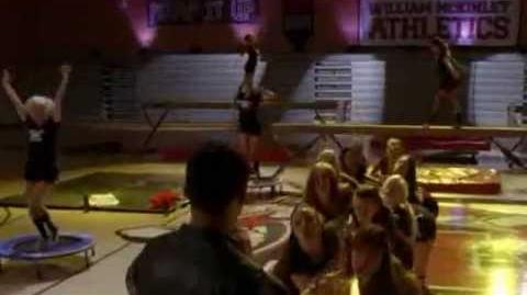 "GLEE - Full Performance of ""Womanizer"""