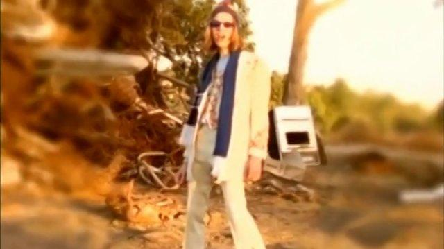 BECK - LOSER - OFFICIAL VIDEO