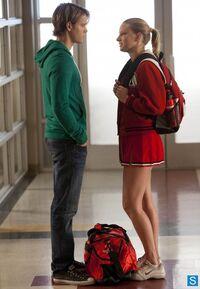 Glee-Episode-4-18-Shooting-Star-Promotioanal-Photos-glee-34075425-412-595