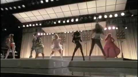 Glee - Bad Romance (Inside The Music) Behind The Scenes Of Theatricality