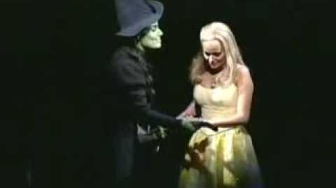 Defying Gravity - Idina and Kristin live at the 02