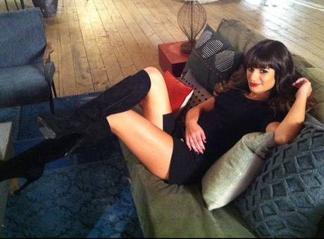 Image lea michele sexy legs glee tv show wiki fandom powered by wikia - Diva futura cast ...