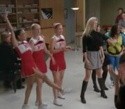 What glee episode does Santana and Brittany start dating