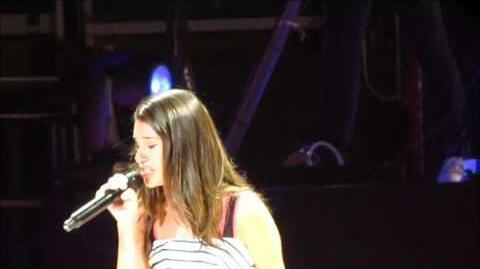 Glee Live - Lea Michele - Firework