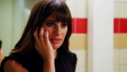 Rachel in bagno telefona a cassandra glease