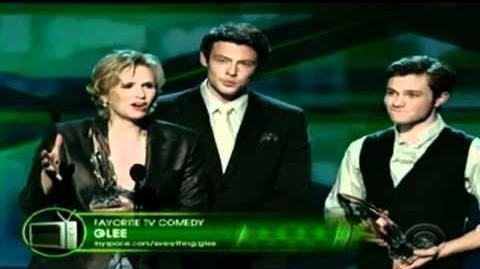 Glee winning at the 2011 People's Choice Awards
