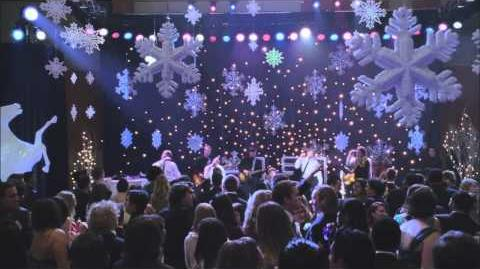 "Full Performance of ""No Scrubs"" from ""Sadie Hawkins"" GLEE"