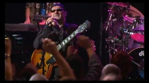Mike And The Mechanics - Living Years (Live At Shepherds Bush)