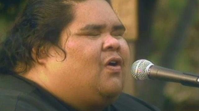 "Over the Rainbow - Israel ""IZ"" Kamakawiwo'ole OFFICIAL VIDEO"