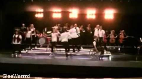 Glee - Keep Holding On (Full Performance) HD