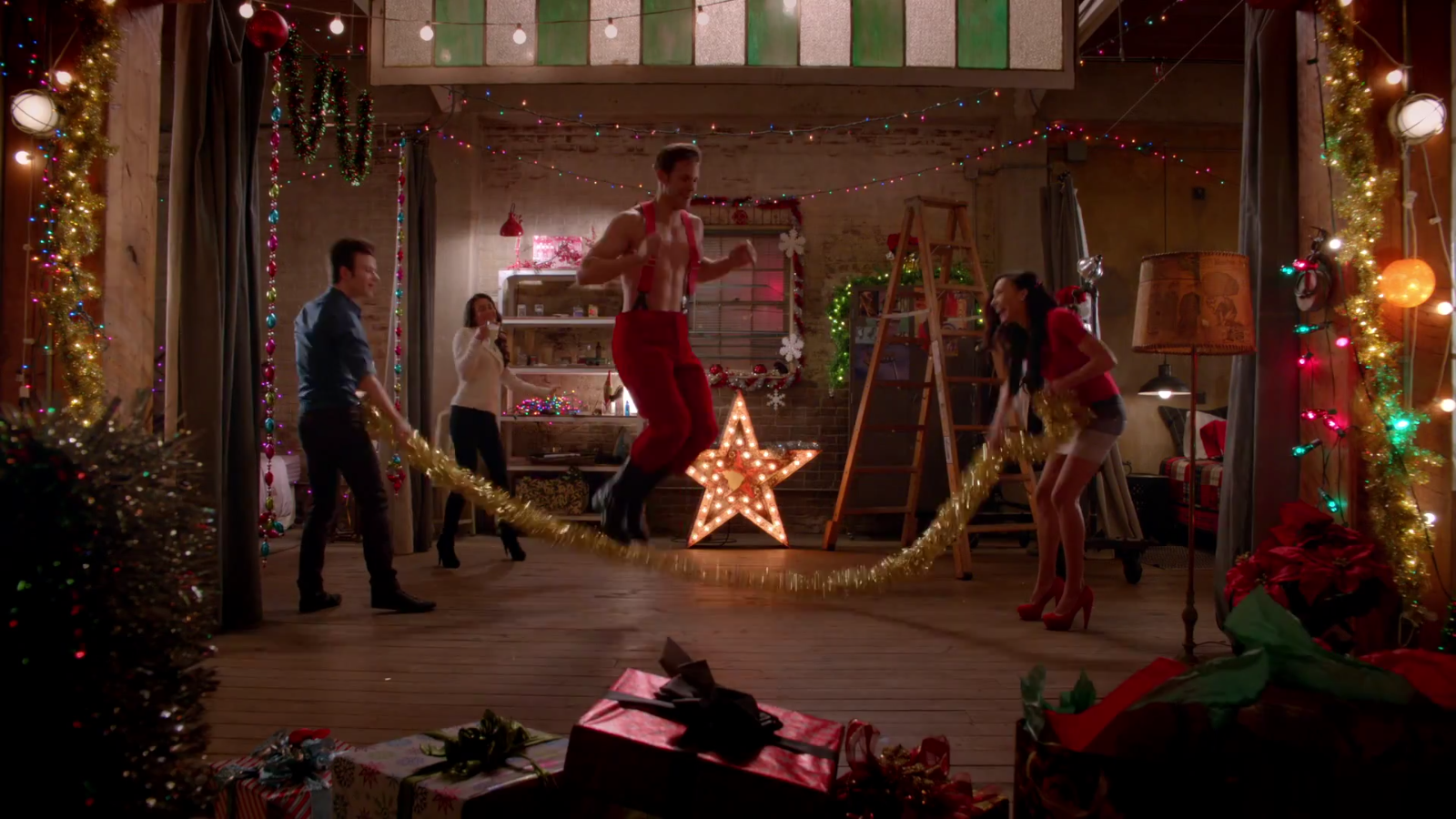 The Chipmunk Song (Christmas Don\'t Be Late) | Glee TV Show Wiki ...