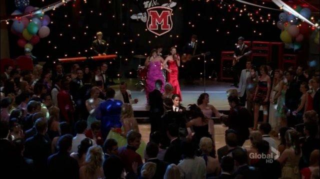 Dancing Queen - Glee