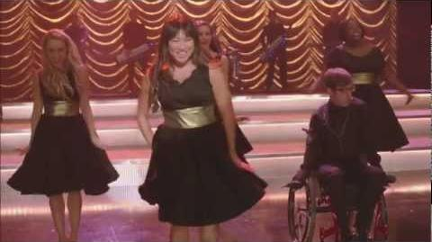 "Full Performance of ""Gangnam Style"" from ""Thanksgiving"" GLEE"