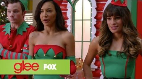"""Full Performance of """"Here Comes Santa Claus"""" from """"Previously Unaired Christmas"""" GLEE"""