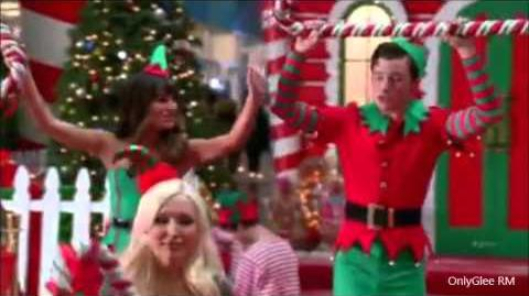 "GLEE ""Here Comes Santa Claus"" (Full Performance) From ""Previously Unaired Christmas"""