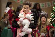 Glee-extraordinary-merry-christmas