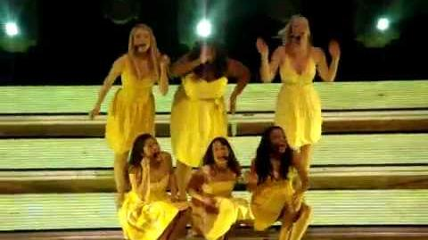 Glee Live 2010- Halo Walking On Sunshine