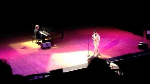 Darren Criss singing Happy to Keep His Dinner Warm