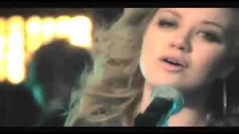 Kelly Clarkson My life would suck without you Video Testo Traduzione MusicKaos