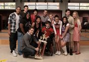 Glee-Club1x13Provinciali