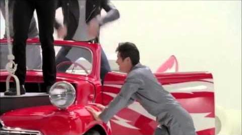 Glee - Sneaks Peek Glease