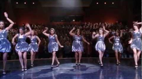 GLEE Hold On to Sixteen - (December 6th) - Sneak Peek 2