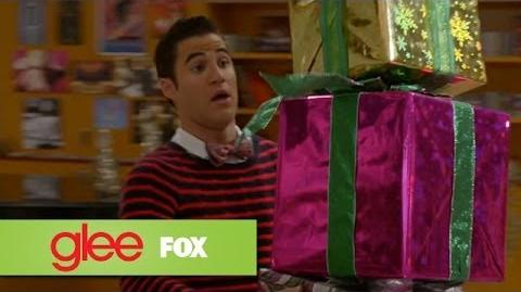 """Full Performance of """"Rockin' Around The Christmas Tree"""" from """"Previously Unaired Christmas"""" GLEE"""
