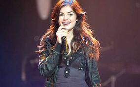 Lucy-hale-639