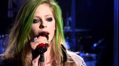Avril Lavigne - Girlfriend (AOL Sessions)
