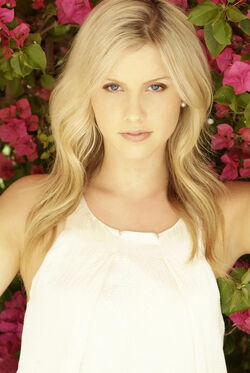 600full-claire-holt