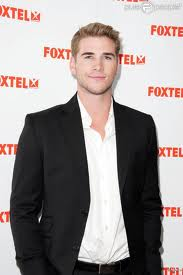 Liam Hemsworth-1